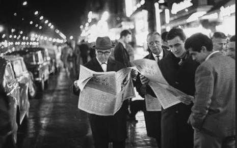 Karma App Studio,black and white photography,old photo,men reading newspaper
